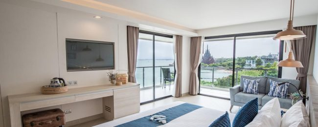 X-mas and Peak Season! 4* Golden Tulip Pattaya Beach Resort from only €21.5/ $24 per person!