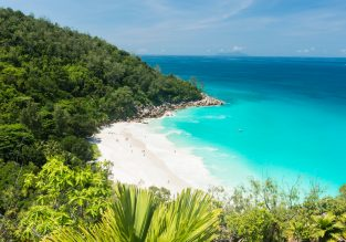 Holiday in paradise! 7 nts top rated lodge in the Seychelles & flights from Paris or Amsterdam from €645!