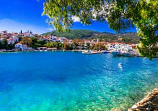 7-night stay in top-rated studio in stunning Skiathos + Spring flights from Vienna for €139!