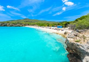 HIGH SEASON! 7-night stay at top-rated aparthotel in Curacao + non-stop flights from New York for $454!