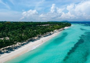 Exotic escape! 12 nights in top-rated bungalow in Panglao Island, Philippines + flights from Frankfurt for €452!