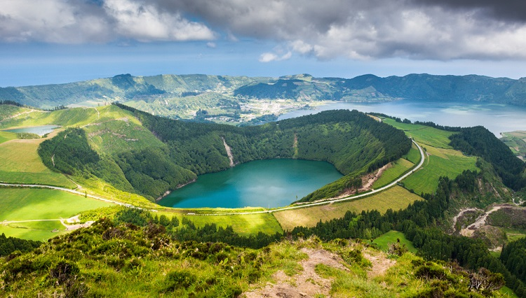 Azores in June! 7 night B&B stay in oceanfront 5* resort + direct flights from Frankfurt Hahn and car rental for €296!