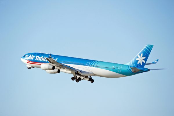 air tahiti plane