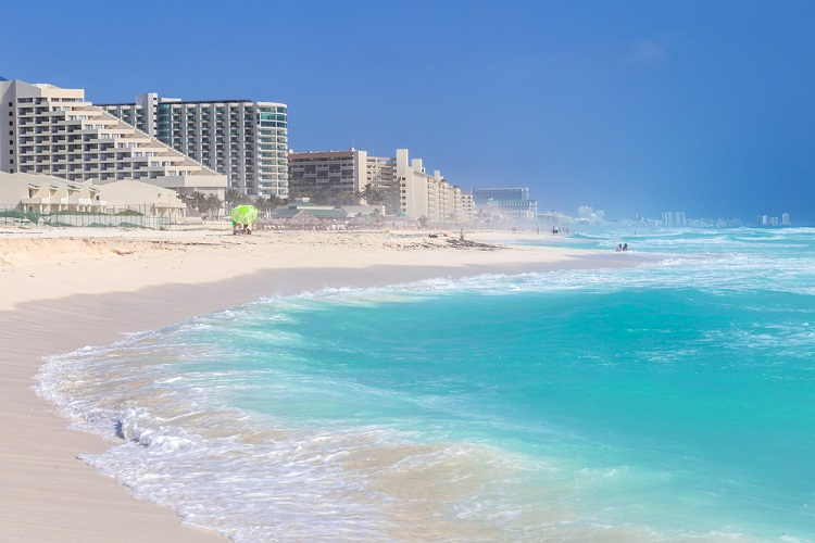 JULY! Cheap flights from numerous European cities to Cancun, Mexico from only €256 / £262!
