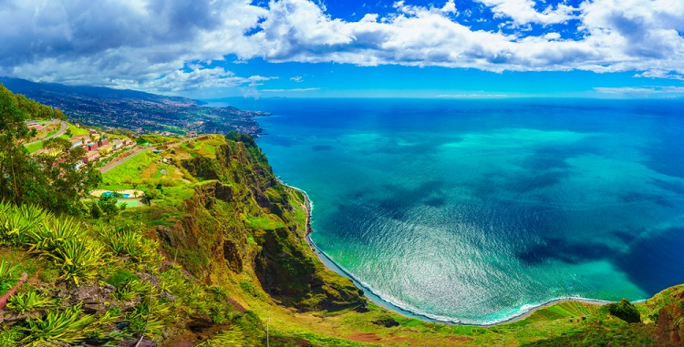 Until Spring 2021! Cheap flights from Switzerland, mainland Portugal, UK or Germany to Madeira from only €29/£47!