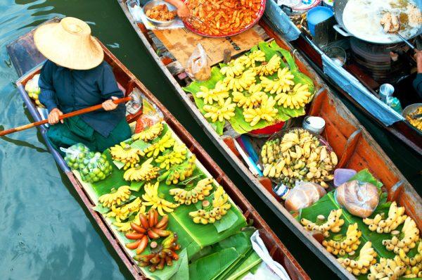 ST Floating market near Bangkok ph i viewfinder