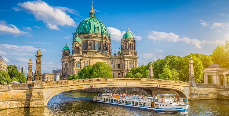Summer! Stay at top-rated 4* hotel in Berlin, Germany for €58/night!