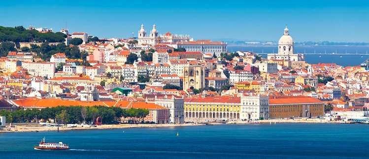 Cheap escape to Lisbon! 2 (or 5) nights in top-rated 4* hotel in the historical centre + cheap flights from Germany from only €4...