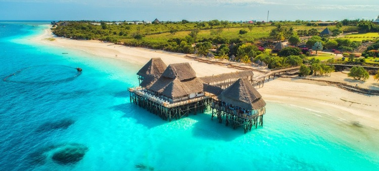 Early Summer! 10-night B&B stay at very well-rated beach hotel in Zanzibar + full-service flights from Frankfurt for €586!